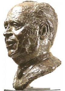 Buste de Pierre Bérégovoy  1997 - Fonte à la cire perdue  Fonderie Delval Mairie de Nevers  H 47