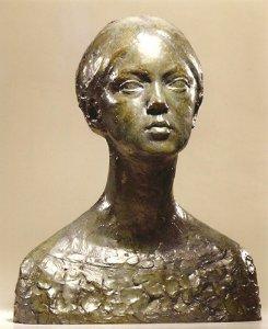 Buste de la petite philosophe 1968 - Fonte à la cire perdue  Fonderie Valsuani Mairie d'Angers 50*40*31