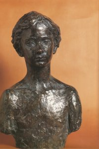 Buste de Jean-Sébastien C. 1986 - Fonte à la cire perdue  Fonderie Delval Prix Paul Louis Weiler Espace Cacheux de l'Arboretum des Musées d'Angers 57*36*26